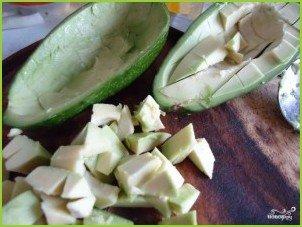 Авокадо с креветками - фото шаг 4
