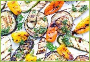 Салат из печеных баклажанов и перцев - фото шаг 2