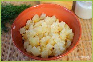 Салат из курицы с ананасами (классический) - фото шаг 5