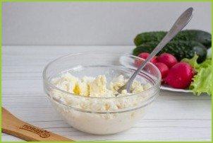 Салат с сырными шариками - фото шаг 2