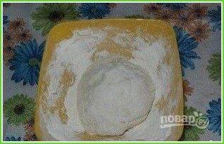 Тесто для вареников на кефире - фото шаг 1