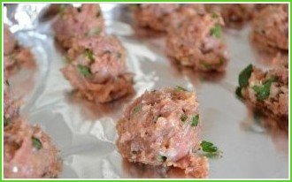 Мясные шарики с моцареллой в томатном соусе (фрикадельки) - фото шаг 4