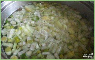 Зеленый борщ с консервированным щавелем - фото шаг 3