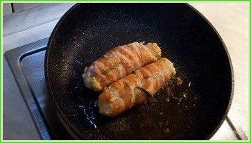 Куриные рулетики со сливочным шпинатом и хрустящим беконом - фото шаг 3