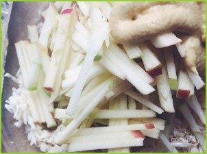 Салат из сельдерея и яблока - фото шаг 2