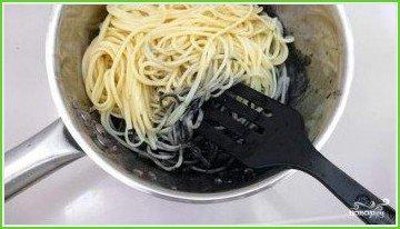 Спагетти с чернилами каракатицы - фото шаг 7