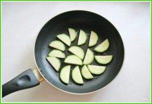Яичница с летними овощами - фото шаг 1