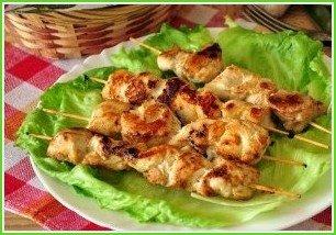 Куриные шашлычки на шпажках на сковороде - фото шаг 4