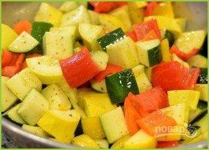 Овощной салат с кукурузными початками - фото шаг 3