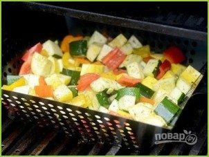 Овощной салат с кукурузными початками - фото шаг 5
