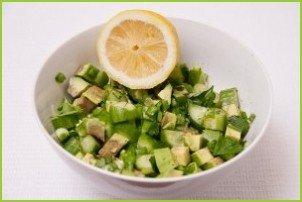 Салат с авокадо и огурцом - фото шаг 7