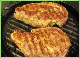 Стейк из шейки свинины - фото шаг 5