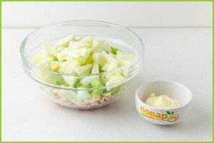 Крабовый салат с сельдереем - фото шаг 4