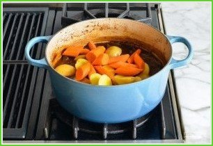 Жаркое из говядины с овощами - фото шаг 10