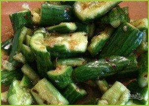 Салат из огурцов по-азиатски - фото шаг 4