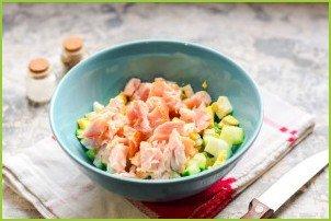 Салат с копченой курицей и грецкими орехами - фото шаг 4