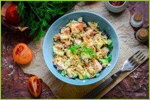 Салат с копченой курицей и грецкими орехами - фото шаг 7
