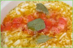 Борщ с тушенкой и помидорами - фото шаг 4