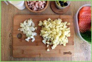 Сливочный суп с лососем и креветками - фото шаг 3